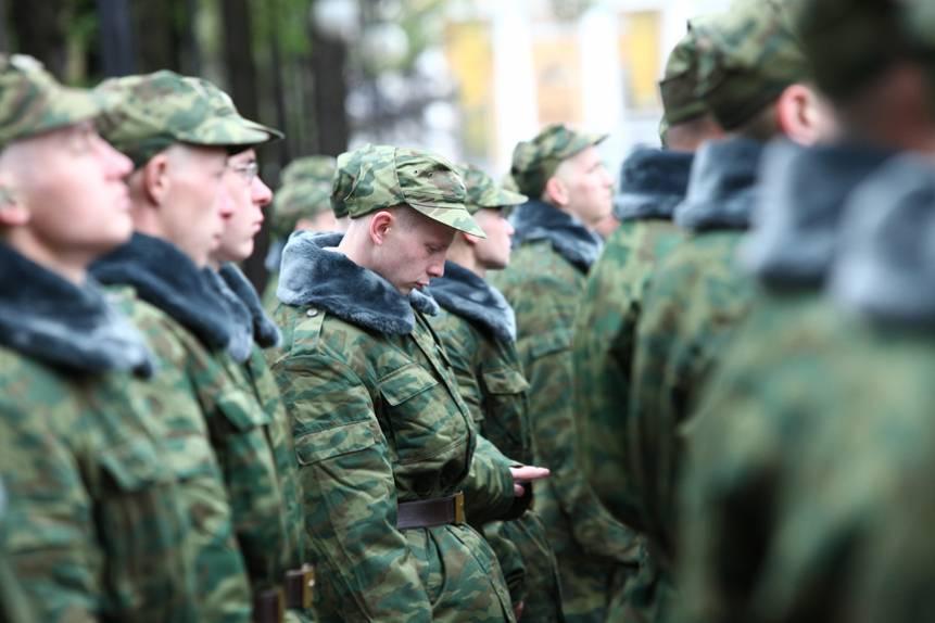 До скольки лет берут в армию