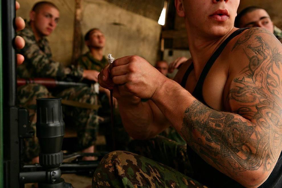 Берут ли в армию с татуировками