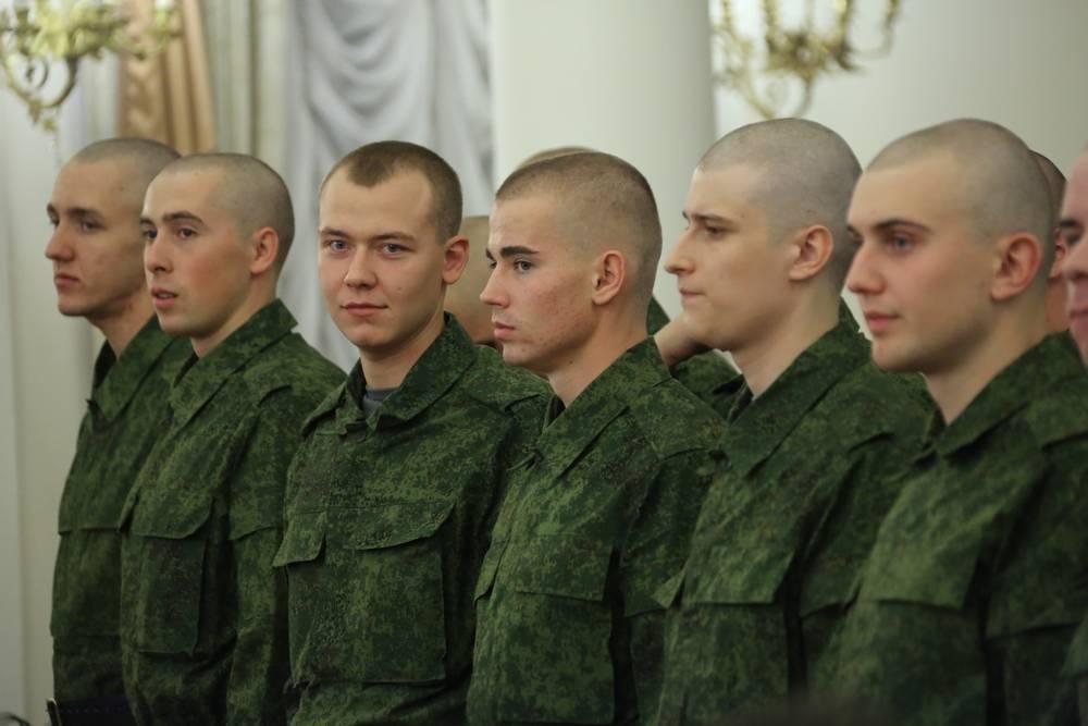 До скольки лет призывника берут в армию