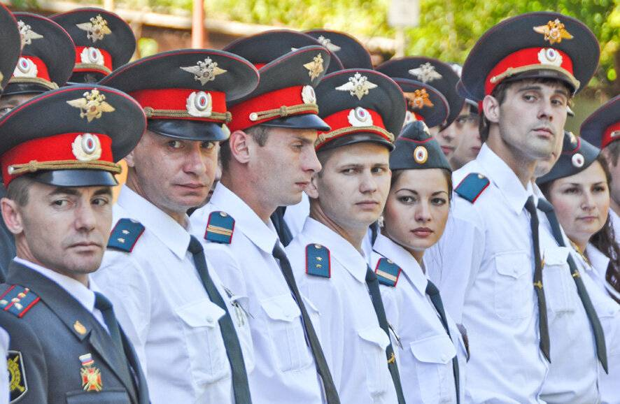 Работа в полиции после службы и тем, кто не служил