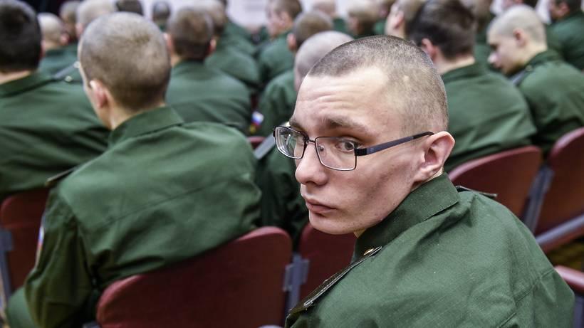 Армия и плохое зрение: берут ли служить?
